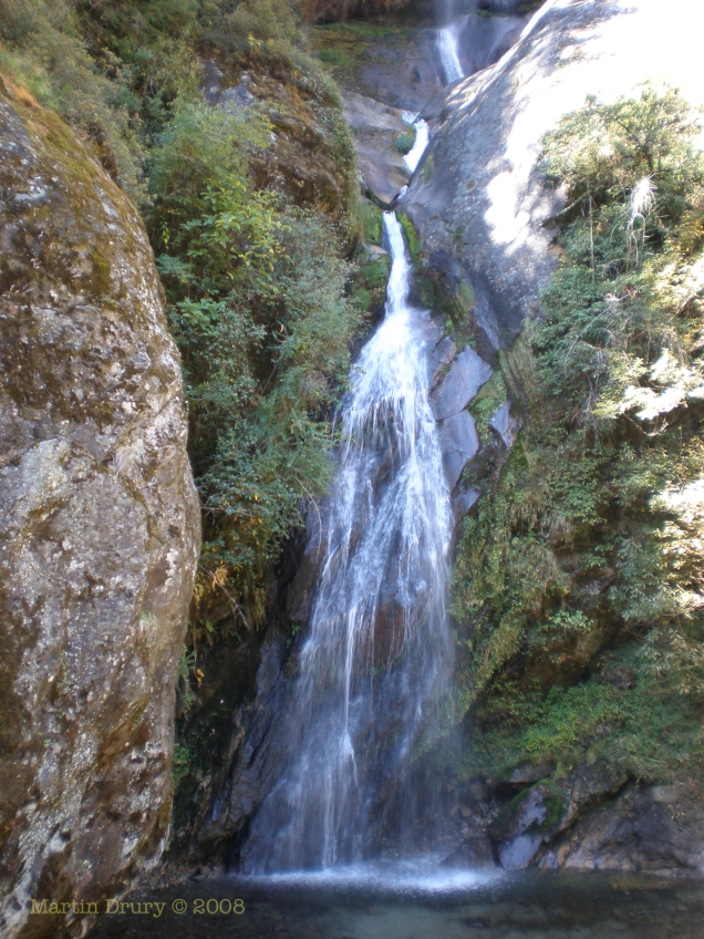 Waterfall on way to Ama Dablam